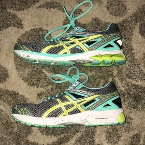 Asics GT 1000 Duomax Running Shoes Great Condition